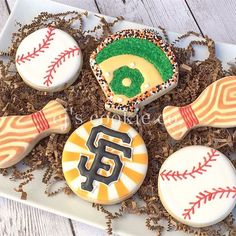 It's that time of year again!⚾️ #tbt #decoratedcookies #sugarcookies #sugarart #edibleart #icingcookies #cookies #cookieart #sfgiants #baseballcookies #sanfranciscogiants #sanfrancisco #eeeeeats #dessert #partyfavors #desserttable #elkgrove #sacramento #scoutsac
