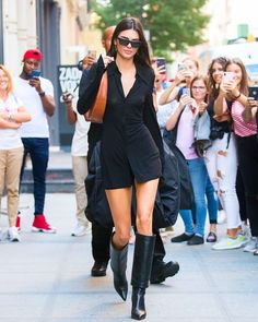 There's a new boot trend in town. Every fashion girl in New York has been styling knee-high boots to perfection this week. Tap our link to… Sophisticated Outfits, Kendall Jenner Outfits, Girl Fashion, Womens Fashion, Who What Wear, Knee High Boots, Chic, How To Wear, Clothes