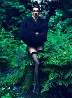 Scriptical.Wordpress.'Le Noir'.Daria Werbowy By Mert + Marcus For Vogue Paris.September 2012.2