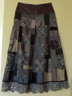 Denim and Lace Patchwork Skirt Crochet Skirt Pattern, Crochet Skirts, Crochet Fabric, Crochet Patterns, Sewing Clothes, Crochet Clothes, Diy Clothes, Black Crochet Dress, Crochet Blouse