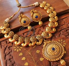 Necklace Set For Frock round Necklace Sets For Rent; Necklace Sets Bridal Gold if Jewellery Online Pakistan save Necklace Set One Gram Gold Pearl Pendant Necklace, Necklace Set, Gold Necklace, Gold Choker, Gold Earrings, Gold Jewellery Design, Gold Jewelry, Jewellery Box, Designer Jewellery