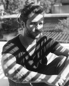 """Eduardo Bravin no Instagram: """"@brunogagliasso"""" The brazilian actor Bruno Gagliasso. O ator brasileiro Bruno Gagliasso pelas lentes de Eduardo Bravin. #instagram #longhair #man"""