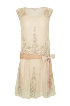 This little 1920s style dress would make a nice change from my usual LBD.