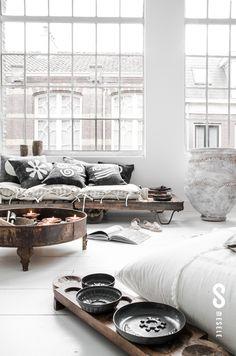 General inspo (neutrals and big windows) industrial interior rustic = metal, wood and white floors = Paulina Arcklin styling - http://www.paulinaarcklin.nl/picturethis/mesele/