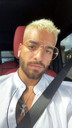 Platinum Blonde Hair Men, Maluma Pretty Boy, Latin Artists, Becky G, Perfect Boy, Papi, Fine Men, Haircuts For Men, Hot Boys