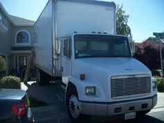 Our Burlingame Movers are the SF Bay Area's première Residential & Office local moving company. Whether you're moving only a few items or an entire house or office, we have the right people with the right equipment at the right price! We are family owned, fully insured, and offer a host of moving services.