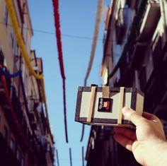 Quase a chegar! - TOSCA - Oficina de fotografia estenopeica   revelação | 3 e 17 de junho | 10:30-14:30 | Lisboa   A TOSCA é uma câmara fotográfica estenopeica (pinhole) que usa filme de médio formato (120), que pode ser reutilizada e personalizada.  informações e inscrições: http://imagerie.imagerieonline.com/pinhole/tosca/