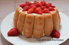 Je vous propose aujourd'hui un dessert de saison : une charlotte aux fraises à la mousse de mascarpone. J'adore ce genre de dessert qui fait toujours l'unanimité en pleine saison des fraises. J'ai trouvé cette recette par hasard sur le blog Tout le monde...
