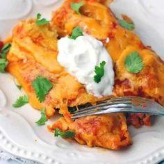Easy Enchilada Casserole, Enchilada Recipes, Casserole Dishes, Casserole Recipes, Keto Casserole, Low Carb Enchiladas, Chicken Enchiladas, Mexican Food Recipes, Keto Recipes