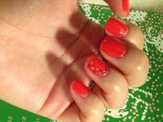 Coral summer dot nails