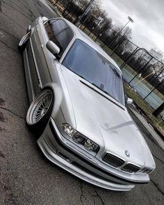 BMW E38 720i