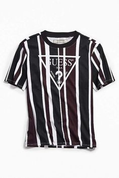 15f2bf78c1c26a GUESS UO Exclusive Rexford Striped Tee