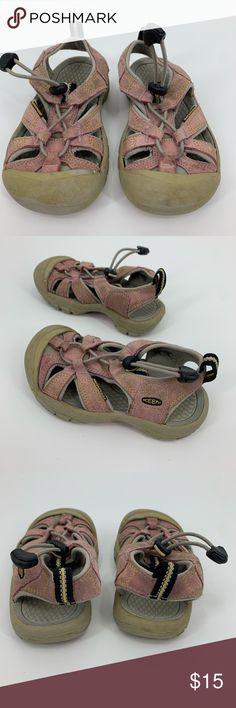9ead6f06da184 Keens footwear sandals water shoe girls size 10 Keens footwear sandals  water shoe pink girls size