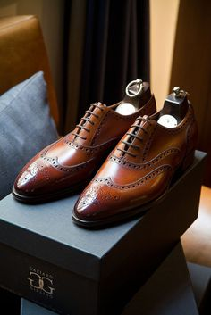 Beautiful brown wingtip brogues. Very handsome shoes from Gaziano & Girling.