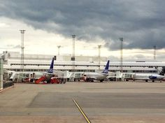 @holmberg_j: I't doesn't look like a care free flight today... #ArlandaAirport #storm #cloud janholmberg.weebly.com