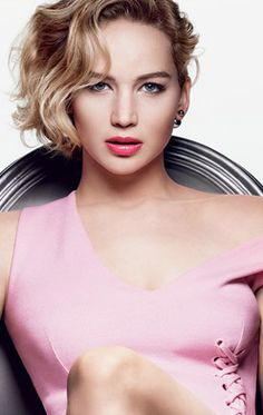 Jennifer-Lawrence-Dior-Addict-Lipstick