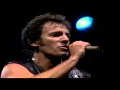 Bruce Springsteen - Can't help falling in Love 1988 - YouTube