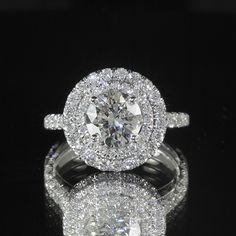 Ideas for wedding rings round diamond dreams Sapphire Diamond Engagement, Round Halo Engagement Rings, Antique Engagement Rings, Diamond Wedding Rings, Gold Wedding, Wedding Engagement, Trendy Wedding, Dream Wedding, Engagement Ideas