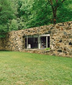 """Marcel Breuer Hooper house. The courtyard divides the """"bi-nuclear"""" house into adult areas and children's areas, including a playroom."""