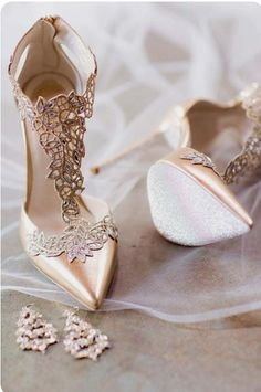 Here are 57 homecoming shoes to match your gorgeous Homecoming dress that you can wear even after your special night! Find the shoes that work best for you! heels 60 Cute Homecoming Shoes To Look Pretty Cute Shoes, Me Too Shoes, Pretty Shoes, Crazy Shoes, Rene Caovilla Shoes, Homecoming Shoes, Homecoming Dresses, Shoe Boots, Shoes Heels