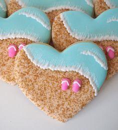 Beachy Heart Cookies - A classic heart shape, a golden sandy beach, a sparkling turquoise ocean, and some flip flops. Pure summer joy.