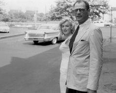 1957 / by Sam SHAW... Marilyn et Arthur en ballade à New-York (part 2).