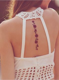 Free People x Kitsch Dried Flower Tattoos at Free People Clothing Boutique on imgfave Girly Tattoos, Back Tattoos, Small Tattoos, Temporary Tattoos, Flower Spine Tattoos, Flower Tattoo Back, Scoliosis Tattoo, Daisy Chain Tattoo, I Tattoo