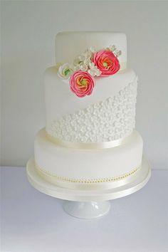 Sugar Ruffles Ranunculus Wedding Cake for Cake Central Magazine Beautiful Wedding Cakes, Gorgeous Cakes, Pretty Cakes, Elegant Wedding, Cupcakes, Cupcake Cakes, Beautiful Cake Pictures, Ranunculus Wedding, White Ranunculus