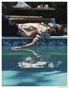 Oriol Elcacho Luxuriates Poolside for GQ Portugal image Oriol Elcacho GQ Portugal November 2014 Photo Shoot 004