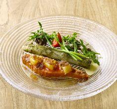 いま食べたい選りすぐりの一品を紹介する「今月の一皿」。今回はカリスマシェフ、レジス・マルコンの下で修業した日本人シェフが腕を振るう、東京・元代々木の隠れた名店を紹介します!http://spr.ly/6015B6WIX #シグネチャー