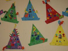 Verjaardagskalender I Love School, New School Year, Art School, Art Activities For Kids, Crafts For Kids, Diy Crafts, Birthday Calender, Preschool Bulletin Boards, Ecole Art