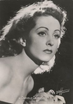 """Norma Desmond: """"I am big."""" Actors and actresses from Hollywood, Paris and Berlin's Ufa, mostly stars from the glamorous decades of the and Beau Film, Jean Pierre Aumont, Porfirio Rubirosa, Jean Gabin, She's A Lady, Actor Studio, Old Hollywood Glamour, Vintage Hollywood, Catherine Deneuve"""