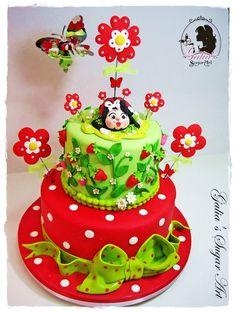 Ladybug Cake - by GuGi @ CakesDecor.com - cake decorating website