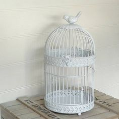This Vintage Bird Cage reminds me of my very own birdcage :)
