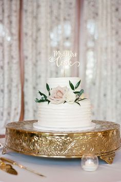 """From the editorial, """"The Epitome of Traditional Elegance at the Armour House in Chicago"""". If you're a classic bride at heart, these images will melt you away. Don't miss the full gallery of inspiration on SMP.com! 