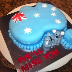 Australia cake Instead of an extra koala add a kangaroo And add green and gold for Aussie colours. Australia Cake, Anzac Day, How To Make Cake, Cake Ideas, Kangaroo, Celebration, Birthday Cake, Sweets, Colours