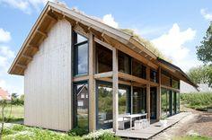 Ecologische woning Dirksland - Kennisbank Biobased Bouwen; #doscha schapenwol in het dak en #ecoboards als vloerbeplating