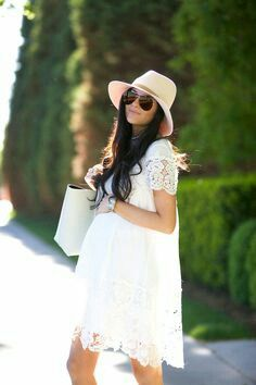 Baby Bump Style Summer Dresses Ideas For 2019 White Maternity Dresses, Casual Maternity, Maternity Wear, Maternity Fashion, Maternity Styles, Maternity Swimwear, Pregnancy Wardrobe, Pregnancy Outfits, Pregnancy Quiz