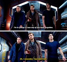 """""""I remember, I just don't care"""" - Leonard Snart Legends Of Tommorow, Dc Legends Of Tomorrow, Supergirl Dc, Supergirl And Flash, Captain Canary, Rip Hunter, Ray Palmer, Flash Funny, Leonard Snart"""
