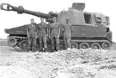 M109 155mm Self-Propelled Howitzer and its crew. Vietnam War.