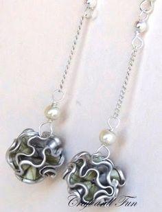 k cup scalloped edge earrings