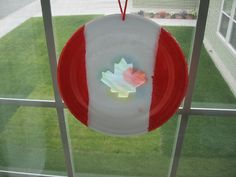 Almost Unschoolers: Canada Day Sun-Catcher Craft with coffee filters Preschool Projects, Daycare Crafts, Canada Day Crafts, Canada Birthday, Canada Day Party, Coffee Filter Crafts, Coffee Filters, Canada Holiday, Happy Canada Day