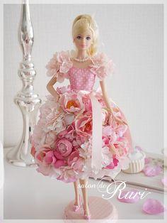 バービー人形のピンクフラワードレス   フラワー教室Salon de Ruri サロンドルリ大阪 上本町 谷町九丁目