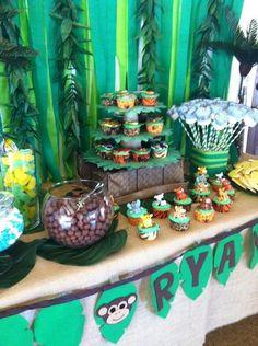 jungle safari baby shower table candy