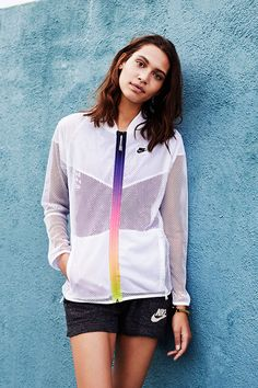 Comfortable coverage and lightweight layers — piece it all together with Nike Sportswear looks in the 2015 Summer Style Guide.