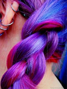 colorful hair (TOTALLY WOULD DO THIS FOR A HOLIDAY!)