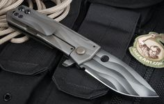 folding tactical knives - Pesquisa Google