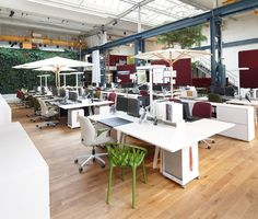 what an office space to get your creative juices flowing!