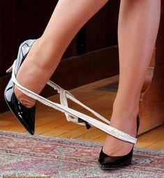 Sexy Legs And Heels, Hot High Heels, High Heel Boots, High Heel Pumps, Womens High Heels, Black Heels, Pumps Heels, Stiletto Heels, Stilettos