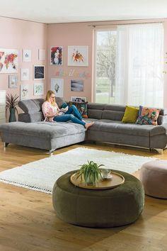 """Du kannst nicht genug Polster auf deiner Couch haben? Dann ist unser Sofa """"Gemini"""" genau das richtige Modell für dich. Weitere Modelle findest du auf leiner.at. // Wohnzimmer Ideen // Interior Trends // Wohnideen // Einrichtungstipps Wohnzimmer // Sofa // Couch// Polstergarnitur // Wohnzimmer Deko Sofas, Sofa Couch, Textiles, Gemini, Bean Bag Chair, Furniture, Boston, Trends, Home Decor"""
